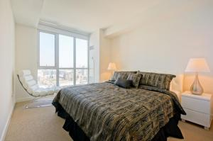 Торонто - Hydewest - Capreol Luxury Furnished Penthouse Apartment