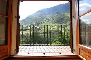 Apartamentos Los Tilos, Apartments  Benasque - big - 7