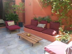 Les Chambres de l'Abbaye, Bed and breakfasts  Marseille - big - 1