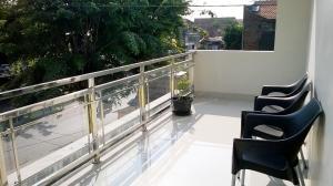 Baltis Inn, Guest houses  Semarang - big - 18