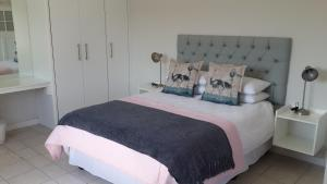 Castle Mansions Self Catering, Apartmány  East London - big - 13