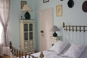 Demeure de Villiers, Bed and Breakfasts  Coudeville - big - 25