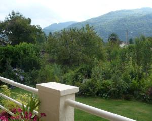 Les Sapins B&B, Bed and breakfasts  Montgaillard - big - 9