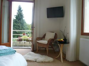 Les Sapins B&B, Bed and breakfasts  Montgaillard - big - 7