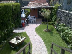 Etma, Bed and Breakfasts  Sant'Alfio - big - 76