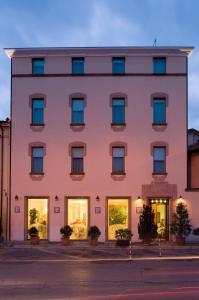 (Hotel Della Porta)