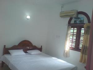 Ravina Home - Hikkaduwa