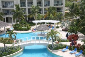 The Atrium Resort, Курортные отели  Грейс-Бэй - big - 82
