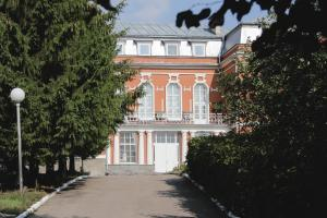 (Voskresenskaya Hotel)