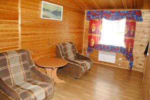 Hotel complex Derevnya Aleksandrovka, Villaggi turistici  Konchezero - big - 3
