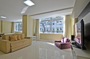 Luxury & large 3 bedrooms apartment T002