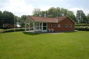 Holiday home Skovbryn C- 135