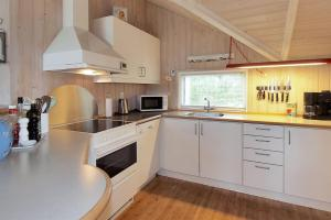 Holiday home Nørballevej A- 3141, Holiday homes  Ho - big - 11