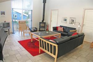 Holiday home Revlingestien E- 3705, Holiday homes  Torup Strand - big - 4