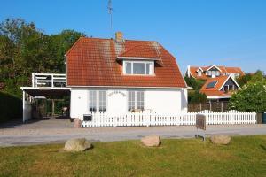 Holiday home Strandbakken E- 4505