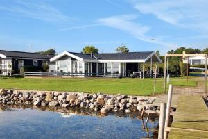 Holiday home Strandlysthuse H- 4572