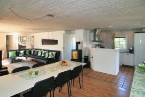 Holiday home Vester D- 5088, Ferienhäuser  Sønderho - big - 27