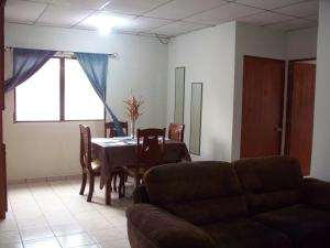 Fully Furnished 2-Bedroom Apt