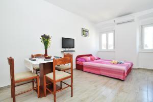 Studio Hana, Apartments  Zadar - big - 5