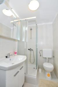 Studio Hana, Apartments  Zadar - big - 14
