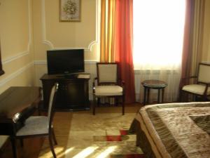 Pirani Hotel