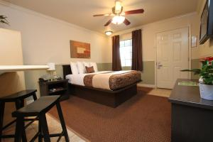 Best Price on Family Garden Inn Suites in Laredo TX Reviews