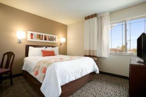 Hawthorn Suites by Wyndham Chicago - Hoffman Estates