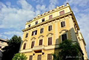 Giuseppe Avezzana Apartment