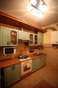 RomanticApartaments ,TWO BEDROOM, Apartments  Lviv - big - 17