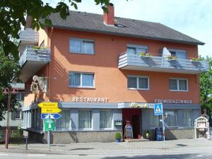 Gasthaus Hirsch, Гостевые дома  Баден-Баден - big - 1