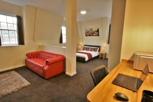obrázek - Central Hotel Gloucester by RoomsBooked