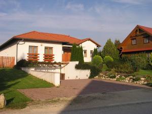 Villa Corvina photos