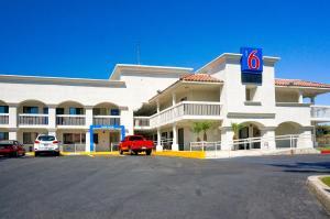 obrázek - Motel 6 Carlsbad Beach