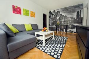 (Fresh Apartamenty JFTC)