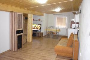 Penzion Tatry, Ferienwohnungen  Veľká Lomnica - big - 15