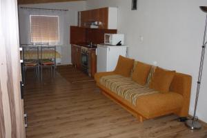Penzion Tatry, Ferienwohnungen  Veľká Lomnica - big - 16