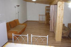 Penzion Tatry, Ferienwohnungen  Veľká Lomnica - big - 18