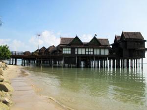 Sea Villa Private Unit @ Langkawi Lagoon Resort, Üdülőközpontok  Kampung Padang Masirat - big - 22