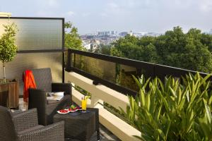 Executive Suite with City View