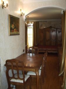 Karolina Apartments, Apartmány  Yalta - big - 14