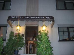 에어포트 호텔 줌 토이벤그룬드 (Airport-Hotel zum Taubengrund)