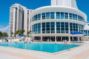 Collins Apartments by Design Suites Miami