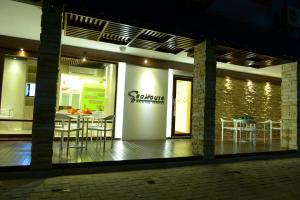 obrázek - SeaHouse Maldives TopDeck Hotel