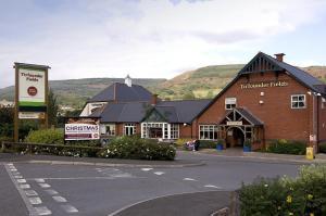 Кумбах - Premier Inn Aberdare