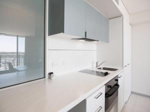 Deluxe One-Bedroom Apartment - North Terrace