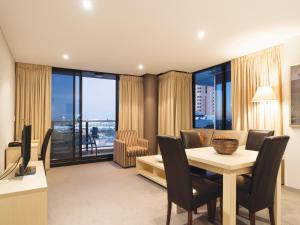 Deluxe Two-Bedroom Apartment - North Terrace