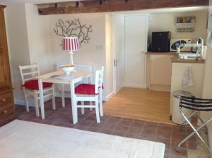 Muddifords Court Country House, Bed & Breakfasts  Cullompton - big - 2