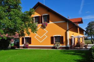 Apartments Turistična kmetija Vrbnjak