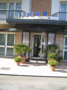 Nearby hotel : Albergo Carpino
