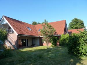 Villa Saterland, Villák  Ostrhauderfehn - big - 1